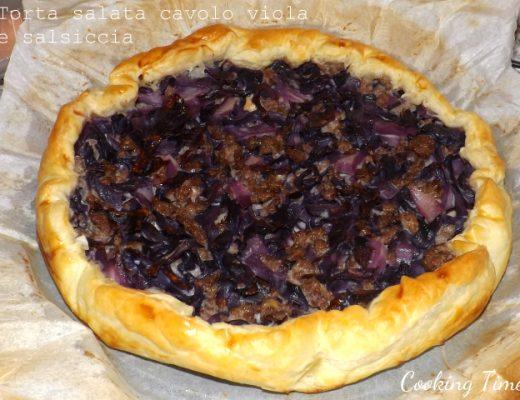 Torta salata cavolio viola e salsiccia