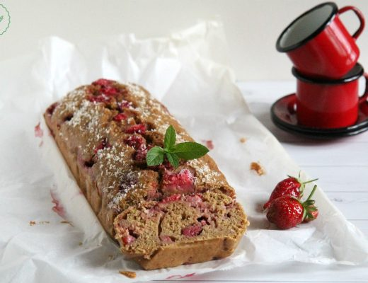 Plumcake con fragole e yogurt